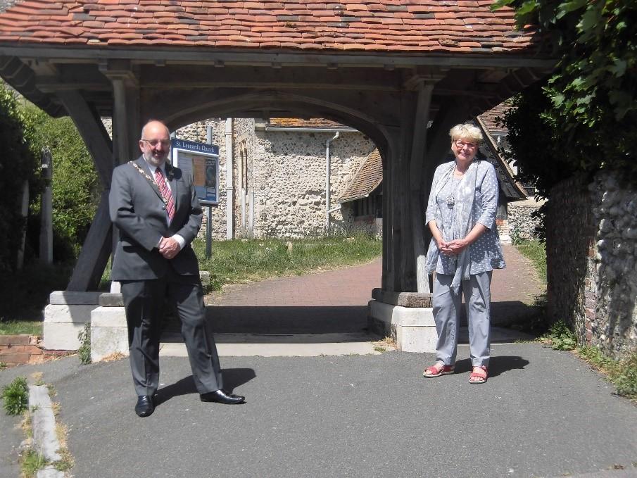 Photo of the new Mayor and Deputy Mayor