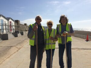 photo of volunteer group, Seaford Shingle Shifters